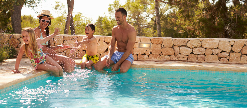 Why it's Important to Work with Professional Swimming Pool Builders