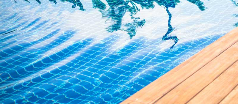 Give Your Pool a Makeover With Swimming Pool Remodeling
