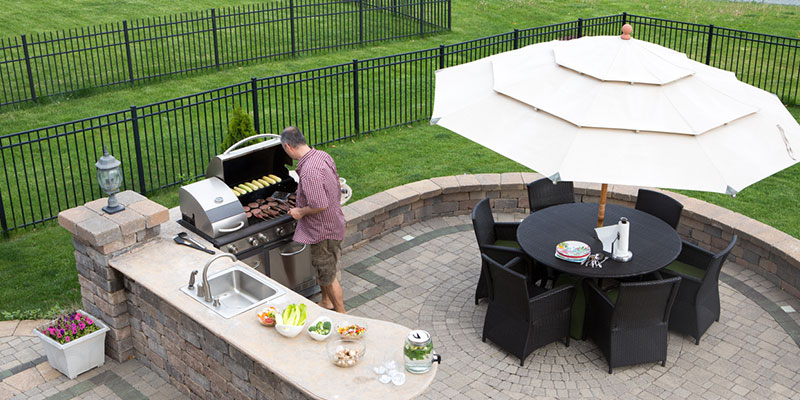 Why You Need an Outdoor Kitchen