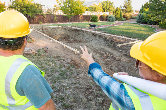 Swimming Pool Contractors: Things to Consider Before Hiring